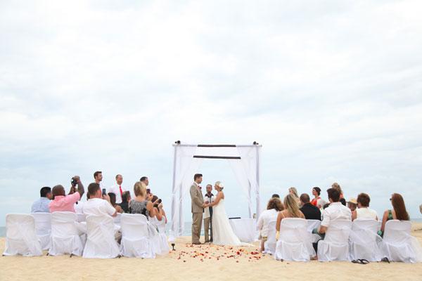 Pedregal de Cabo San Lucas Beach Wedding: Emily & Evan