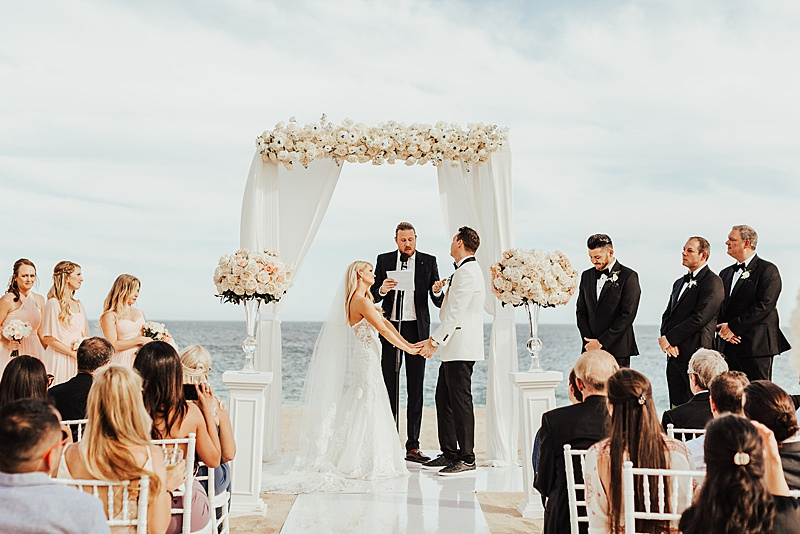 Hope & Chris's Romantic White Wedding in Cabo