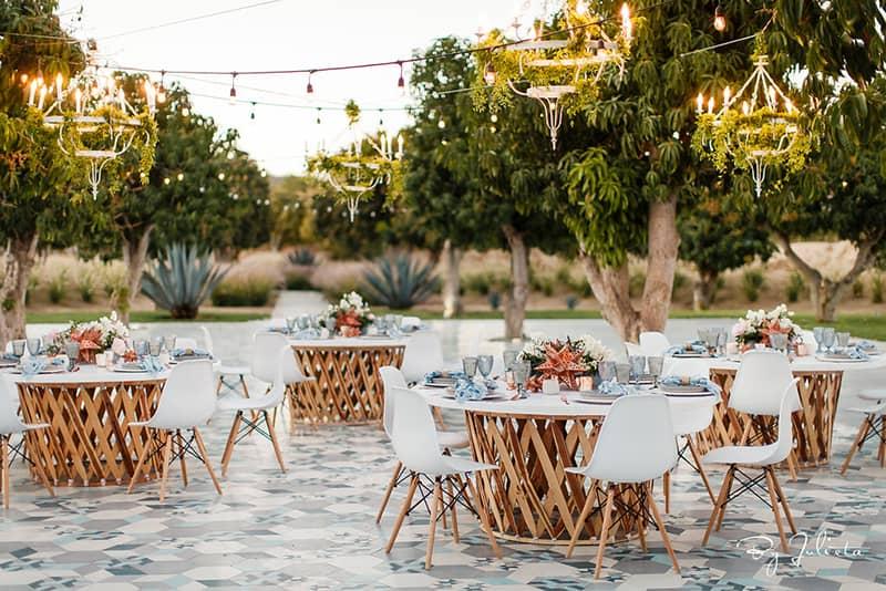 Wedding Trends 2021: Eclectic Furniture