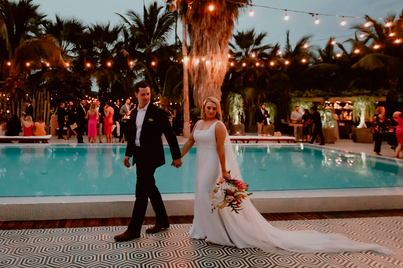 Edgy Wedding With Tropical Vibes in Los Cabos